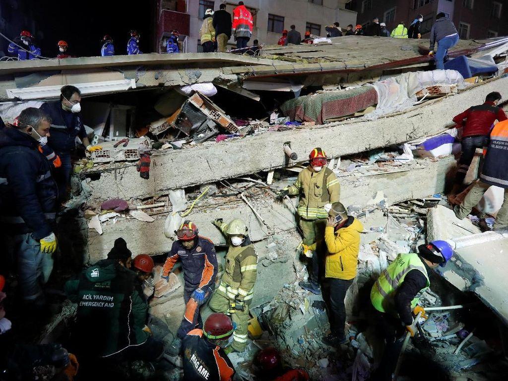 Korban Tewas Apartemen Runtuh di Istanbul Jadi 21 Orang