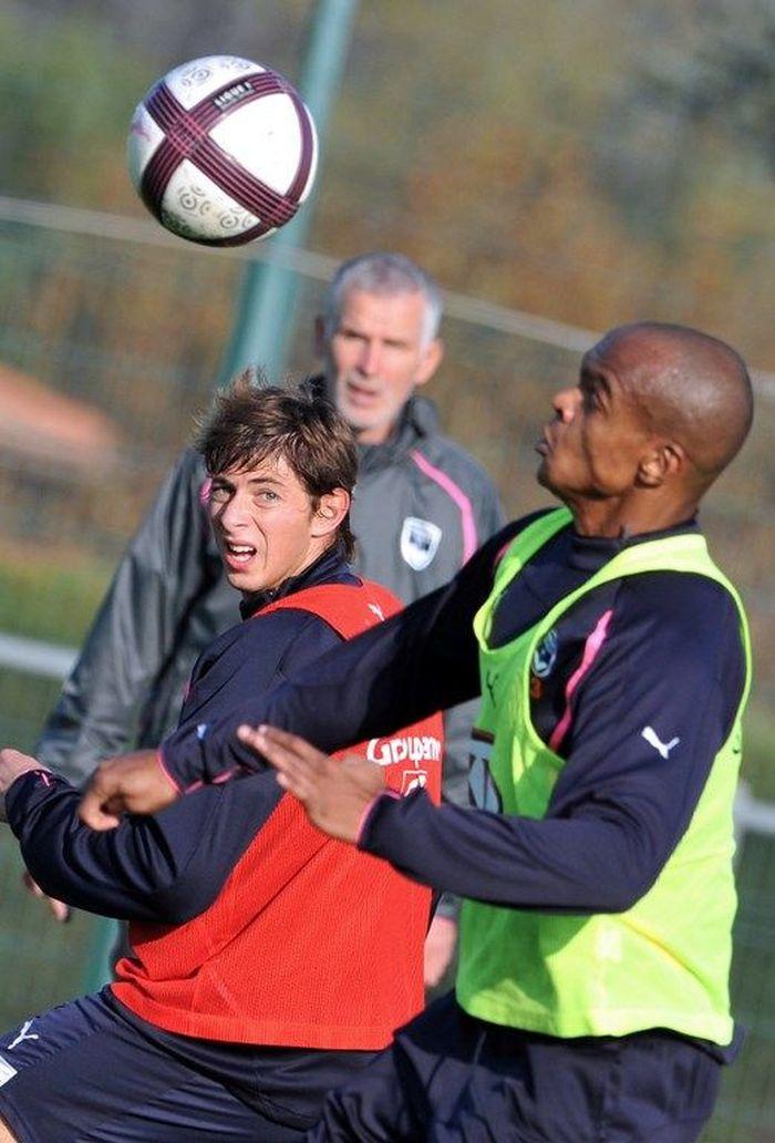 Emiliano Sala memulai kariernya di Eropa ketika menerima pinangan Bordeaux pada musim 2010/2011. Usianya baru 20 tahun saat itu. (Foto: PIERRE ANDRIEU / AFP)