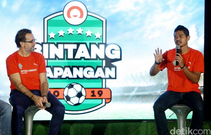 "Home Credit Indonesia mengkampanyekan program baru mereka dalam pencarian bakat untuk generasi muda penggemar sepak bola yang bertajuk ""Bintang Lapangan"", di Jakarta, Kamis (7/2/2018)."