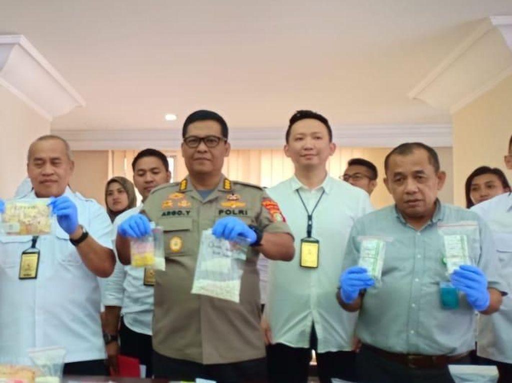 Polisi Sita 13.003 Butir Obat Daftar G yang Dijual di Toko Kosmetik