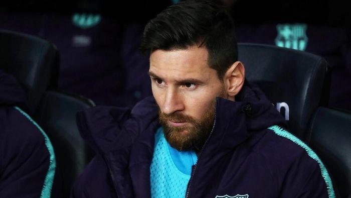 Penyerang Barcelona Lionel Messi bertanya-tanya soal komptisi Major League Soccer kepada rekan setimnya di Timnas Argentina. (Foto: Sergio Perez/Reuters)