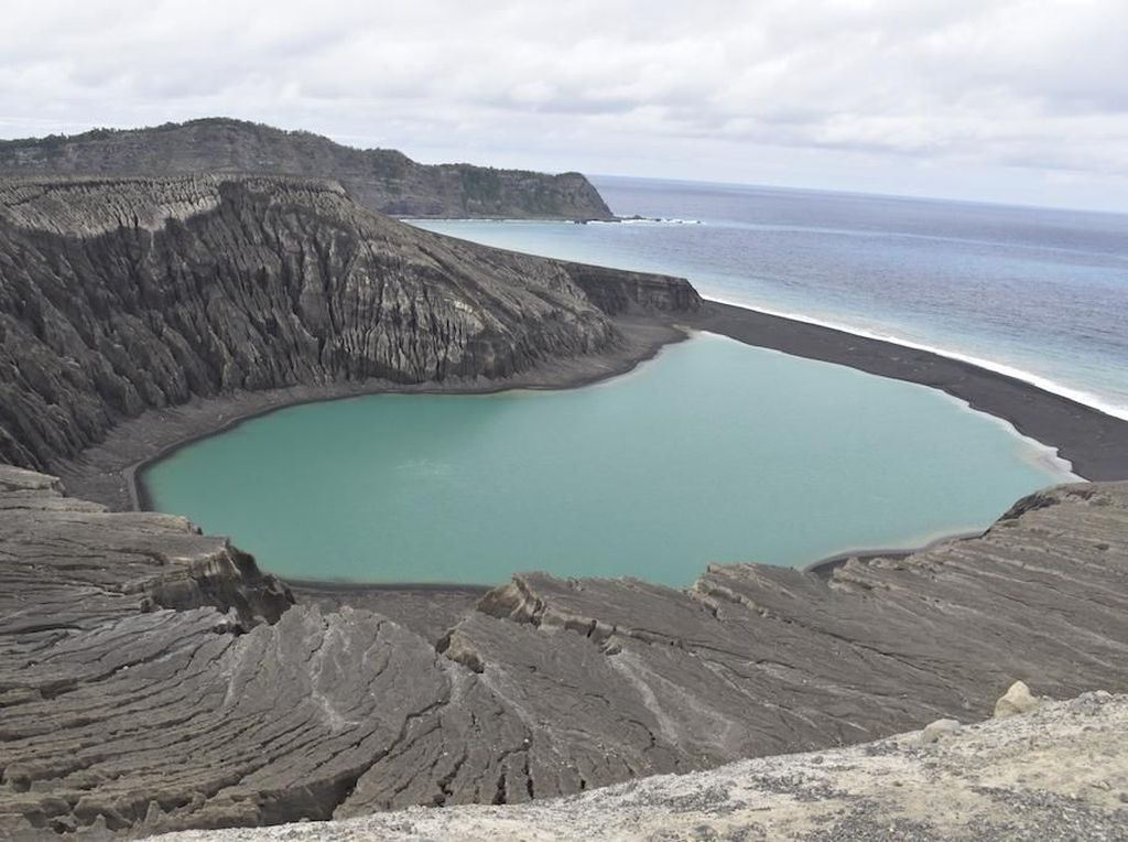 Melihat Pulau Misterius yang Bikin Ilmuwan NASA Bingung