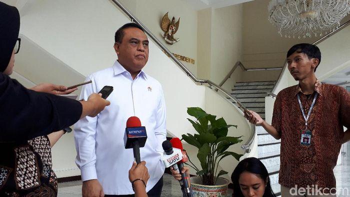 Foto: Menteri Pendayagunaan Aparatur Negara dan Reformasi Birokrasi (MenPAN-RB) Syafruddin (Noval-detikcom)