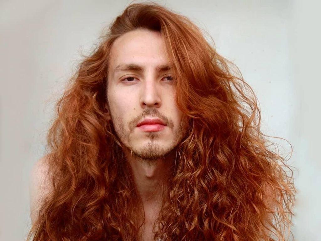 Bikin Wanita Iri, 10 Pria dengan Rambut Indah Seperti Model Iklan Sampo