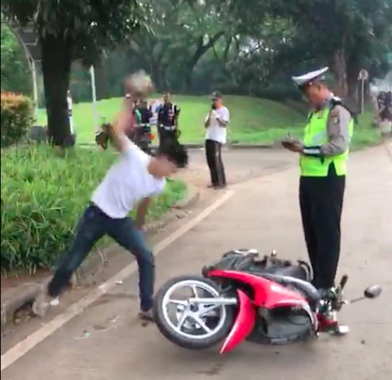 Pakai Pelat Palsu Kayak Adi Pembanting Motor, Dapat Dieksekusi Bui