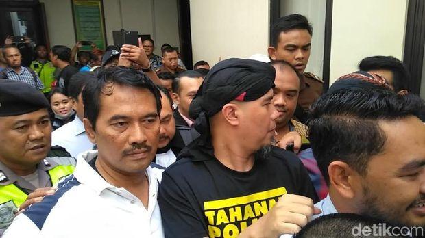 Sidang Dakwaan Ahmad Dhani Berlangsung 30 Menit