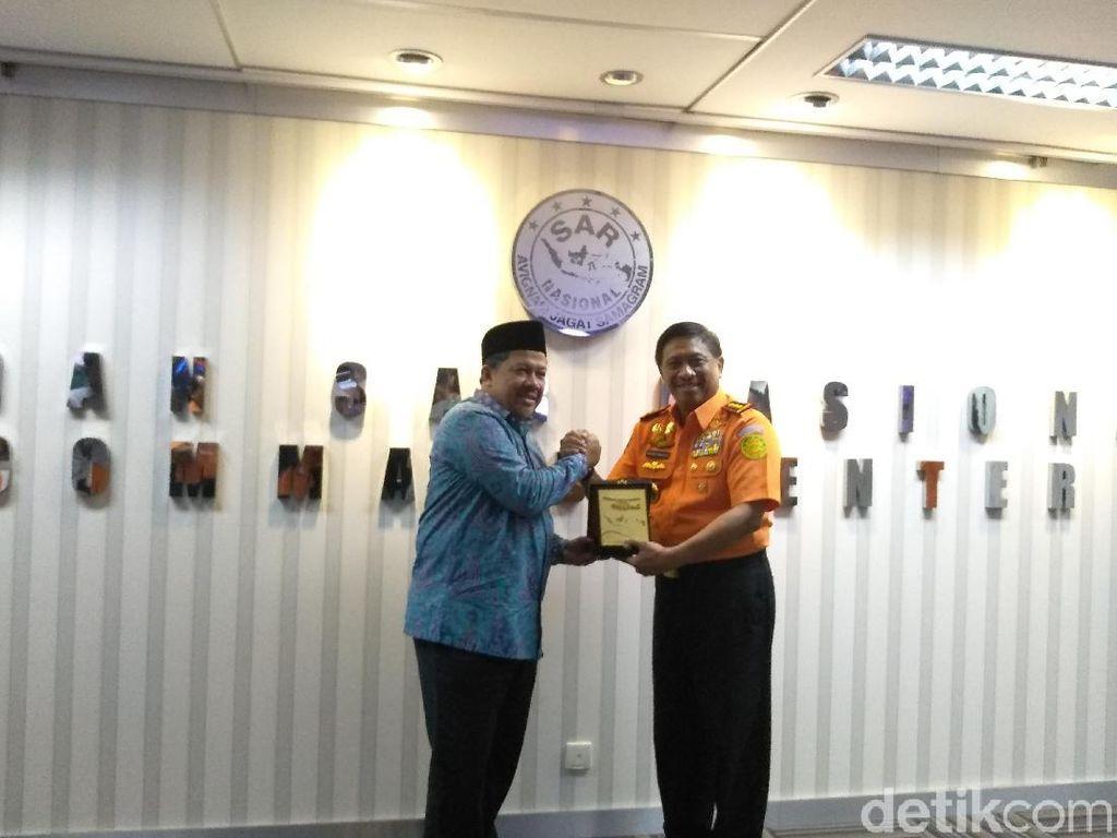 Kunjungi Basarnas, Fahri Hamzah Wacanakan Integrasi Lembaga Terkait Bencana