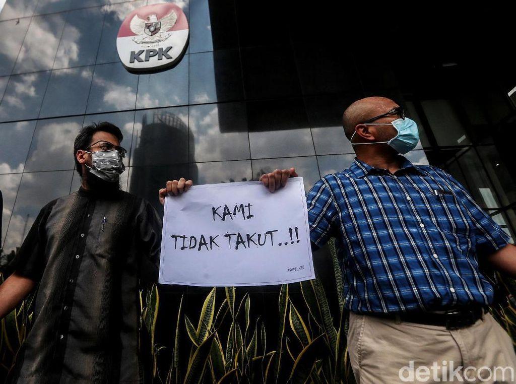 Aksi Solidaritas Pegawai KPK untuk Rekan yang Dianiaya