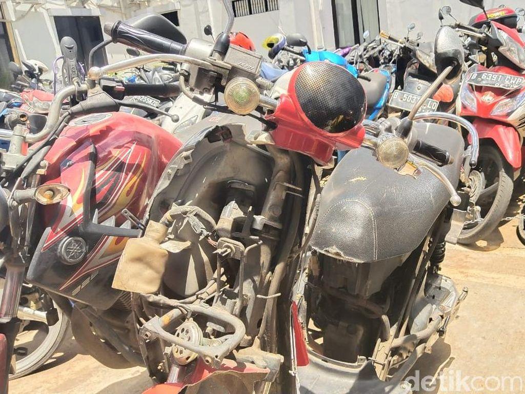 Begini Kondisi Motor yang Dicabik-cabik Adi Saputra saat Ditilang