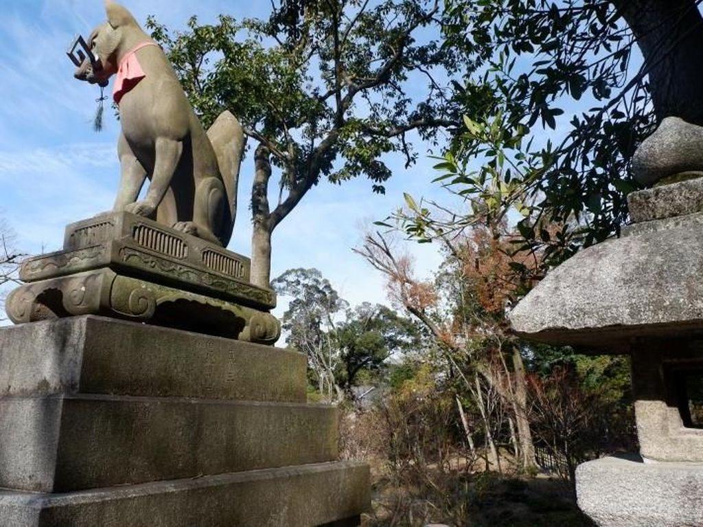 Batu di Kuil Kyoto Ini Dipercaya Bisa Meramal