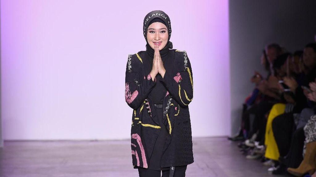 Dian Pelangi Kembali Bawa Hijab ke Panggung New York Fashion Week 2019