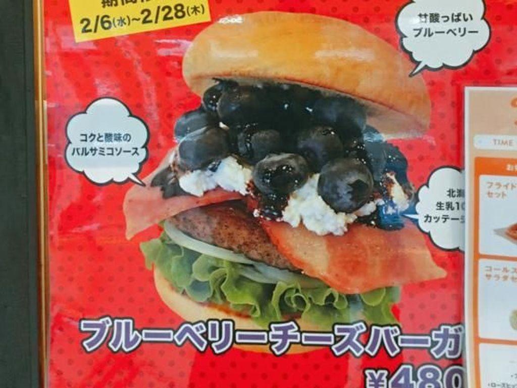 Pencinta Burger, Ini Burger Baru dengan Keju dan Buah Blueberry!
