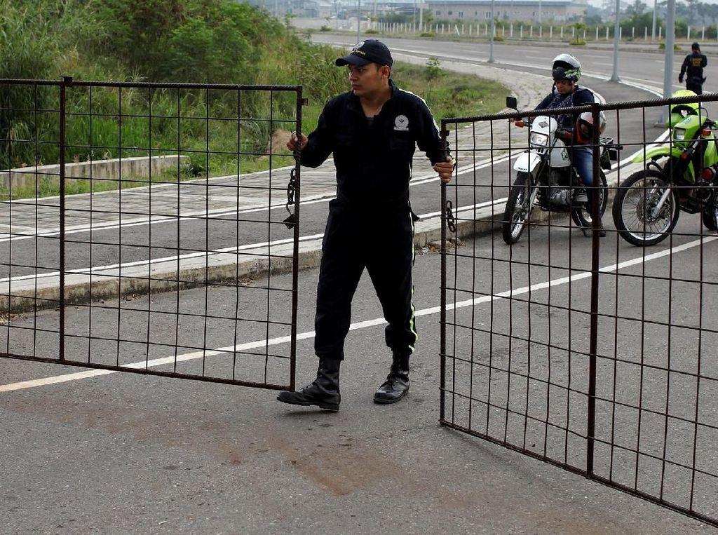Oposisi Buka Blokade Tentara Venezuela di Perbatasan