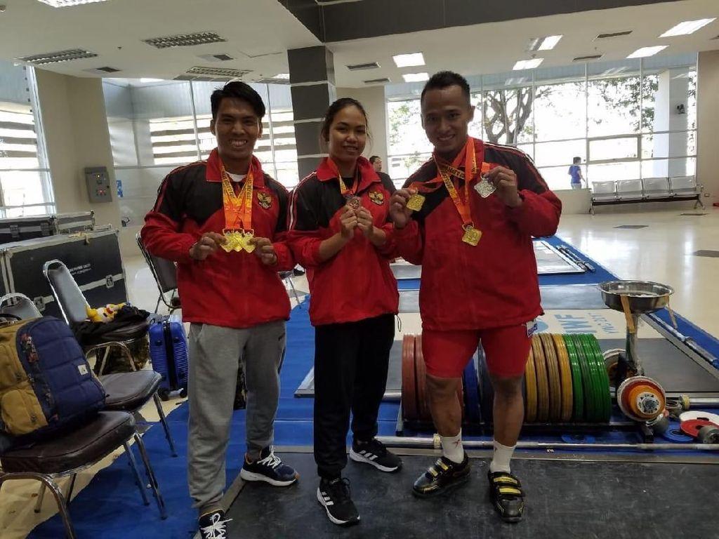 Deni dan Triyatno Sabet Medali Emas di Kejuaraan Angkat Besi di Thailand