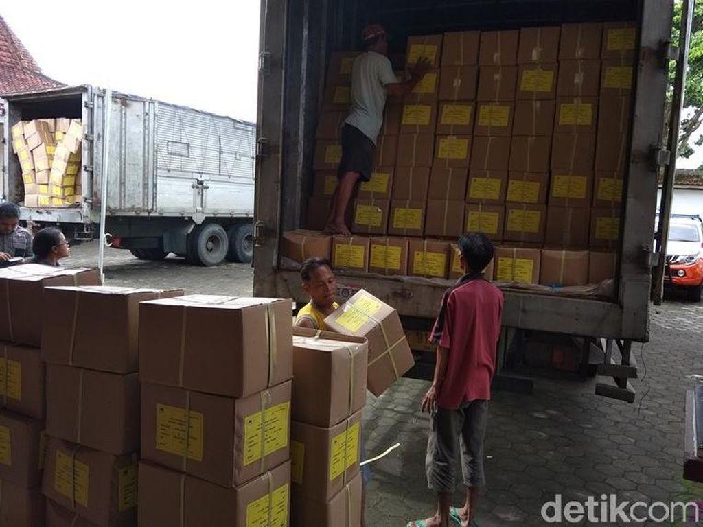 Jutaan Lembar Surat Suara Pilpres Tiba di Magelang