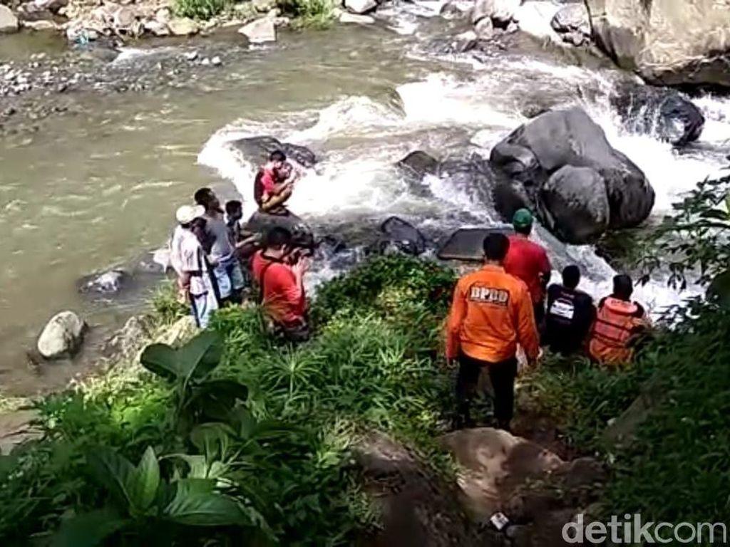 Hilang Sejak Kemarin, Bocah Hanyut di Sungai Tegal Ditemukan Tewas