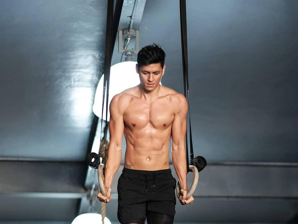 Hideo Muraoka, Model Tampan Pintar Yoga yang Diidolakan Lucinta Luna