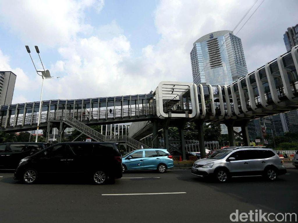Penampakan Terkini JPO Polda Metro Jaya yang Molor dari Target