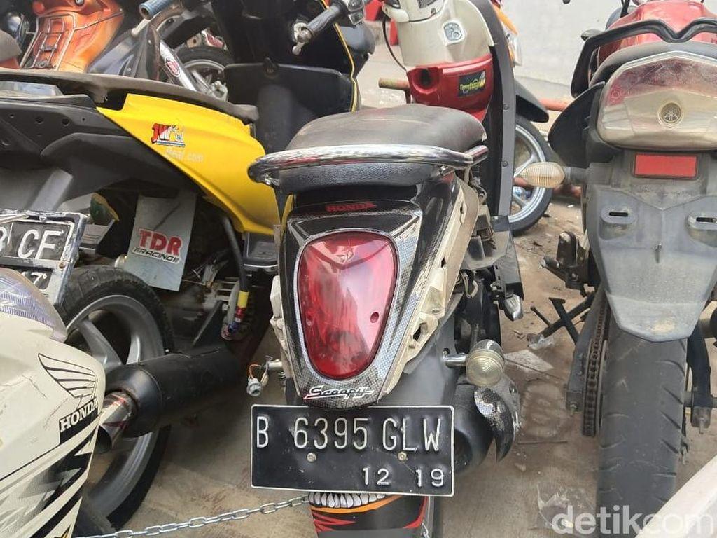 Menakar Kerusakan Honda Scoopy Akibat Dibanting Adi Saputra