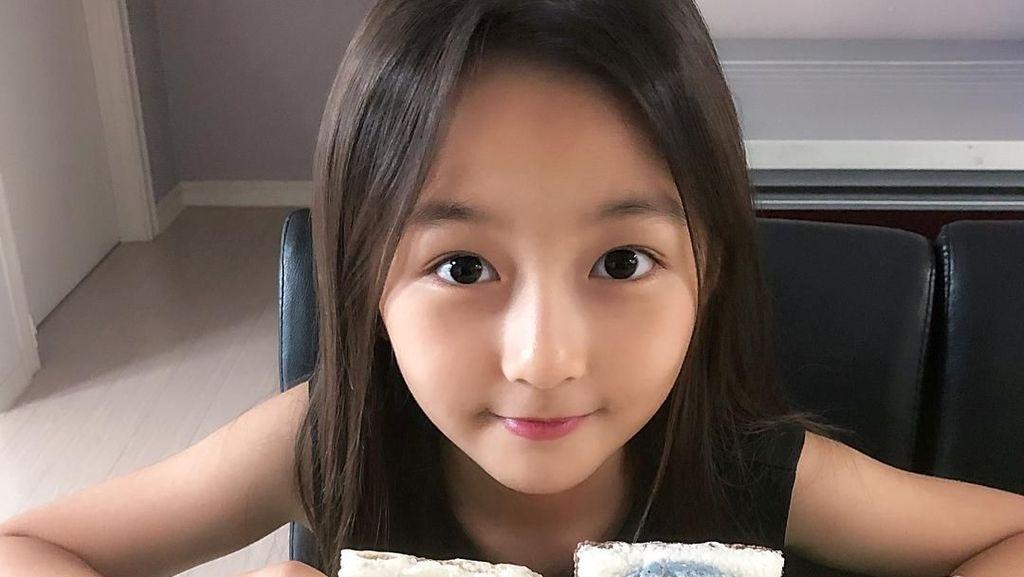 Kim Ha-eun, Model Cilik Korea yang Doyan Makan Permen dan Es Krim
