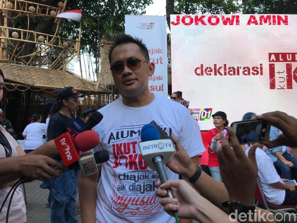 Diprotes Posting GBK Pakai Foto Orang Lain, Hanung Bramantyo Minta Maaf