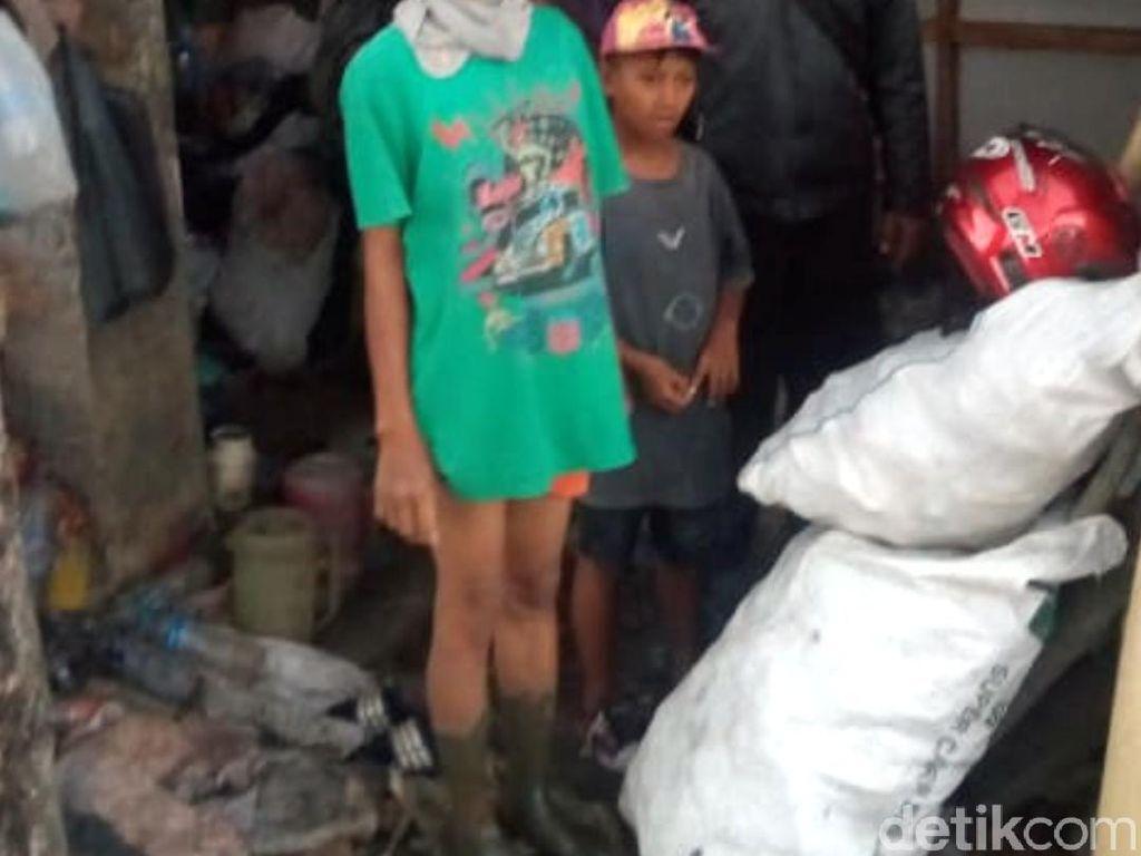 Miris, Keluarga Bakri di Cianjur Masak Makanan Busuk Hasil Memulung