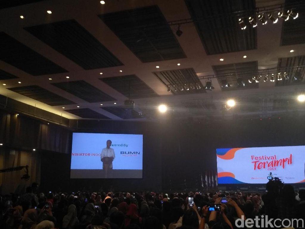 Jokowi Cerita Bangun Usaha dari Nol, Kerja dari Subuh sampai Tengah Malam
