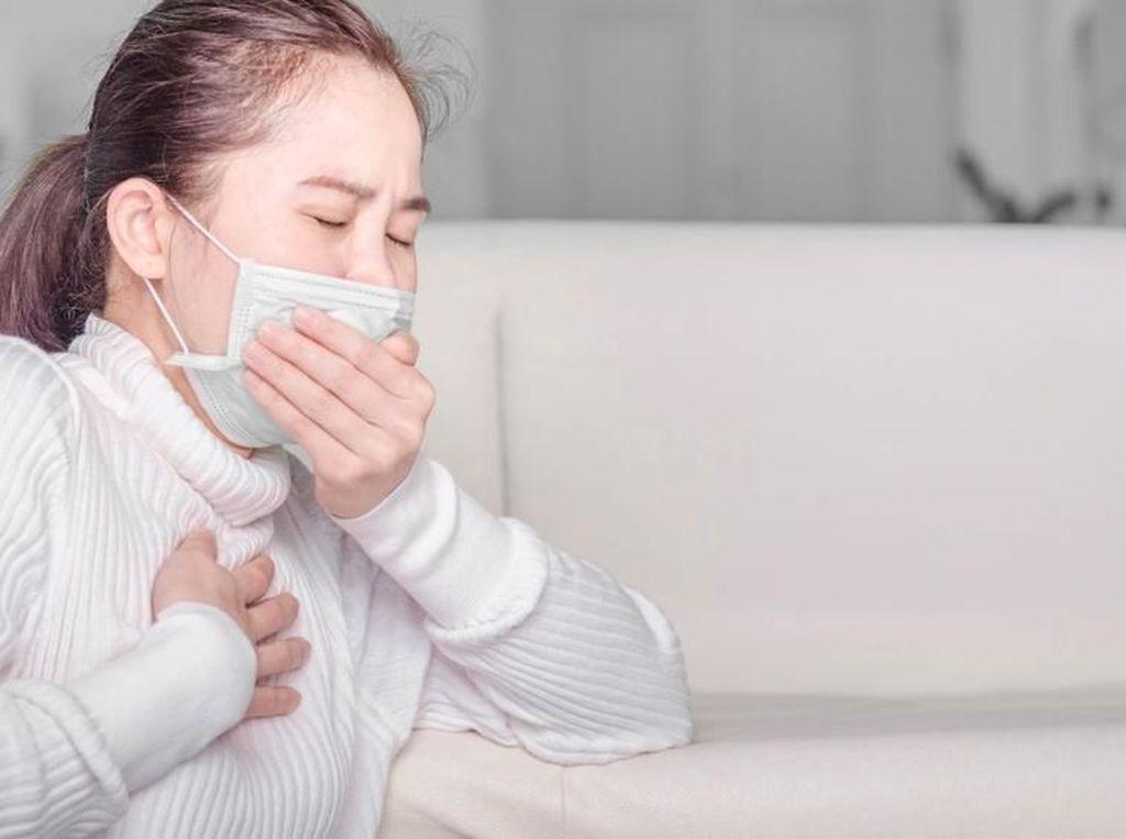Musim Batuk, Ini 4 Tanda Bisa Jadi Pneumonia (1)