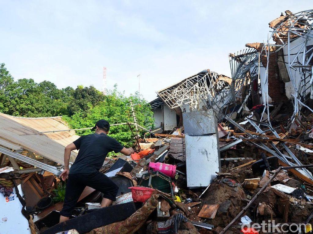 Ridwan Kamil Minta Pemkab Bandung Cek Kawasan Hulu
