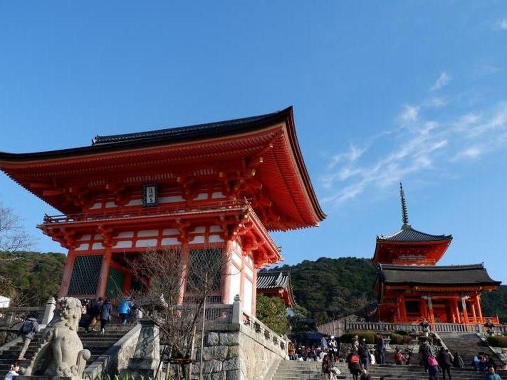 Perjalanan Seru ke Kuil Kiyomizudera di Kyoto