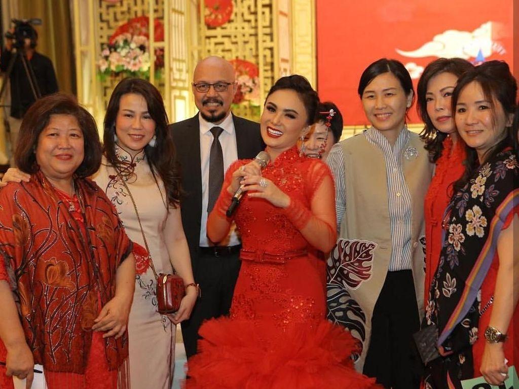 Rayakan Imlek, Veronica Tan Obati Rindu Netizen