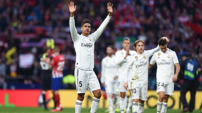 Juventus dikabarkan ikut mengincar bek Real Madrid, Raphael Varane (Foto: Denis Doyle/Getty Images)