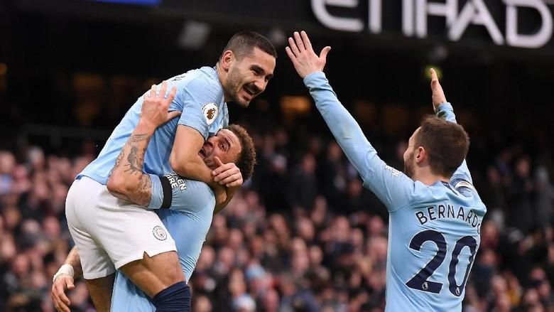Neville: Liverpool Frustrasi, City Kini Favorit Juara