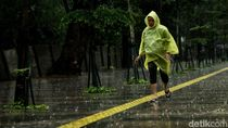 BPBD Jakarta Minta Warga Waspada Hujan Disertai Angin Kencang Sore Ini