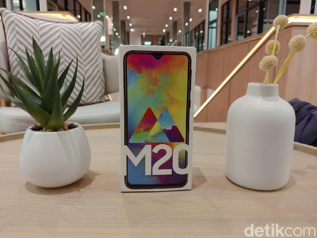 Sudah Punya Galaxy J, Kenapa Samsung Rilis Galaxy M?