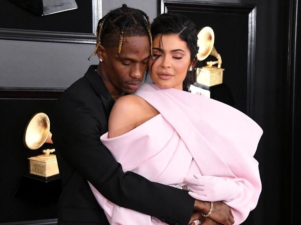 Ngaku Tak Terpisahkan, Kylie Jenner dan Travis Scott Balikan