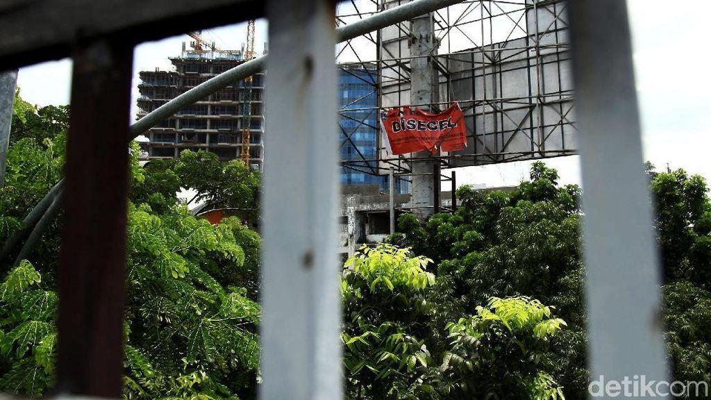 Pemprov DKI Siapkan Rp 11 M untuk Tertibkan Reklame Ilegal