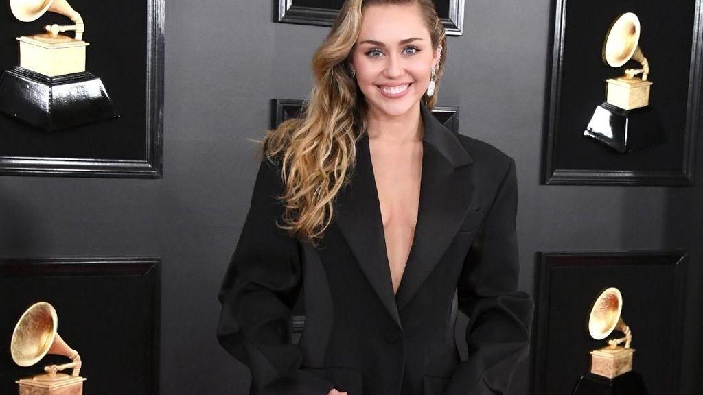 Miley Cyrus Kok Sendirian di Grammy Awards 2019?