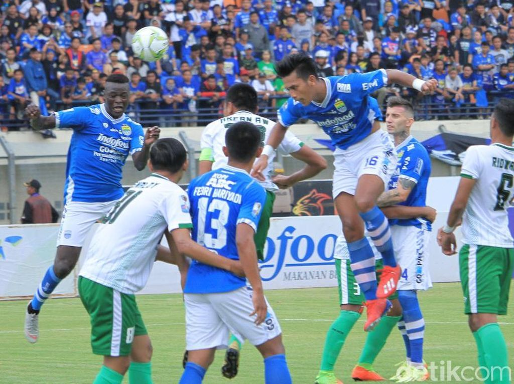Hasil Piala Indonesia: NDouassel Hat-trick, Persib Libas Persiwa 7-0