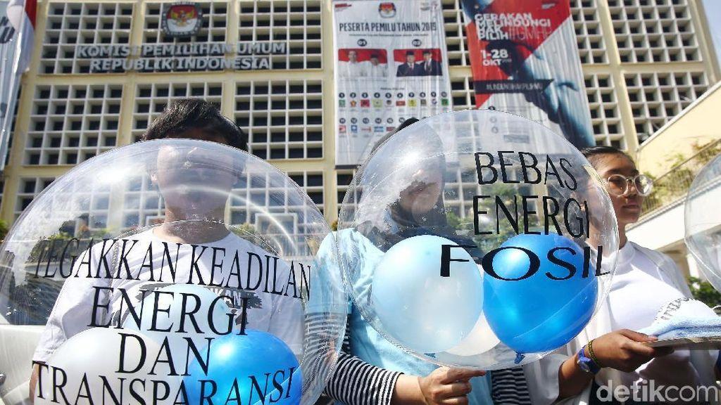Demo KPU, Massa Minta Tata Kelola Energi Dibahas di Debat Capres
