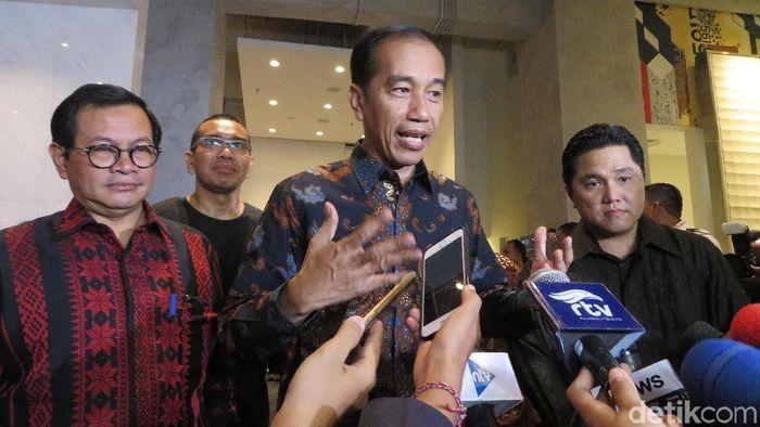 Presiden Jokowi keluarkan Inpres untuk mendongkrak prestasi sepakbola di level internasional. (Noval Dhwinuari Antony/detikSport)