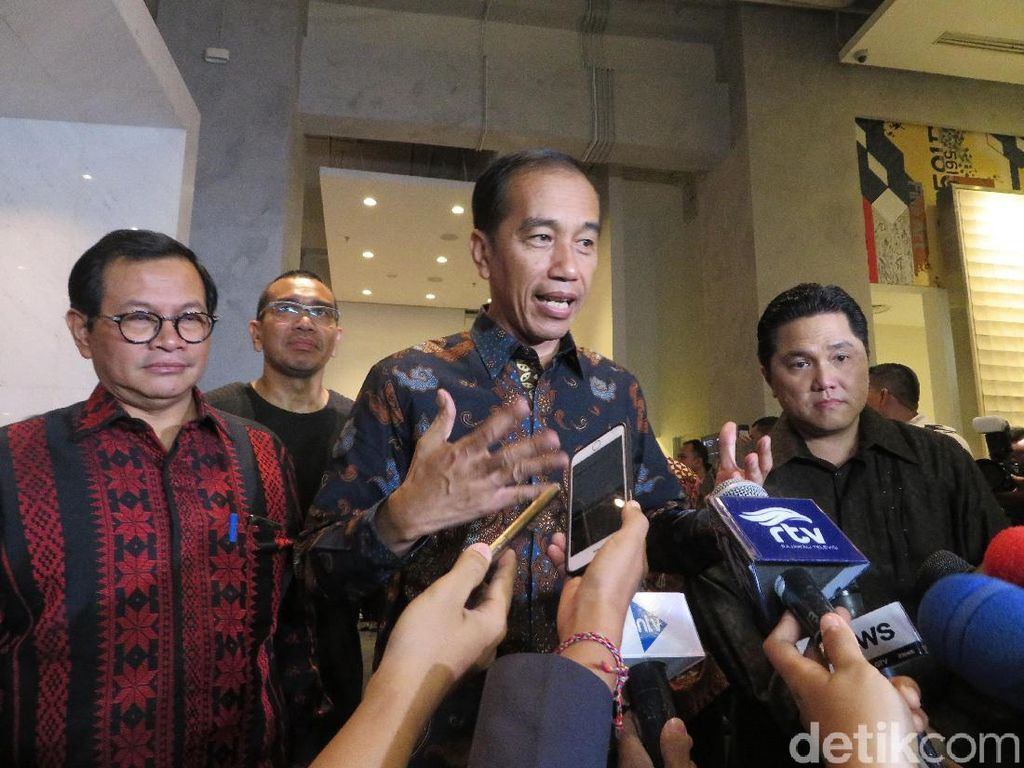 Jokowi Rilis Inpres Tentang Percepatan Pembangunan Sepakbola Nasional