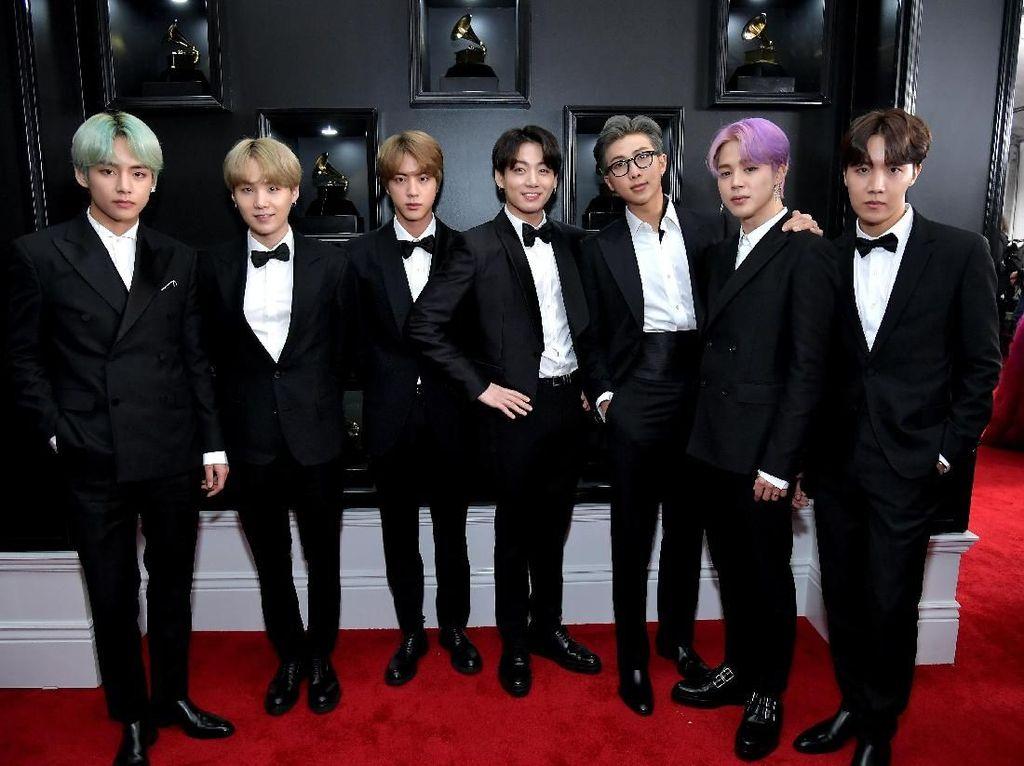 Setelan Hitam BTS di Grammy 2019