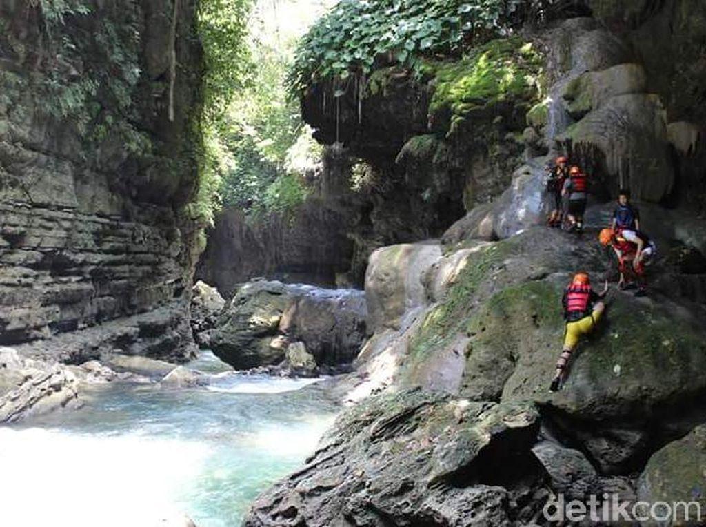 Pangandaran Mencari Ikon Geopark