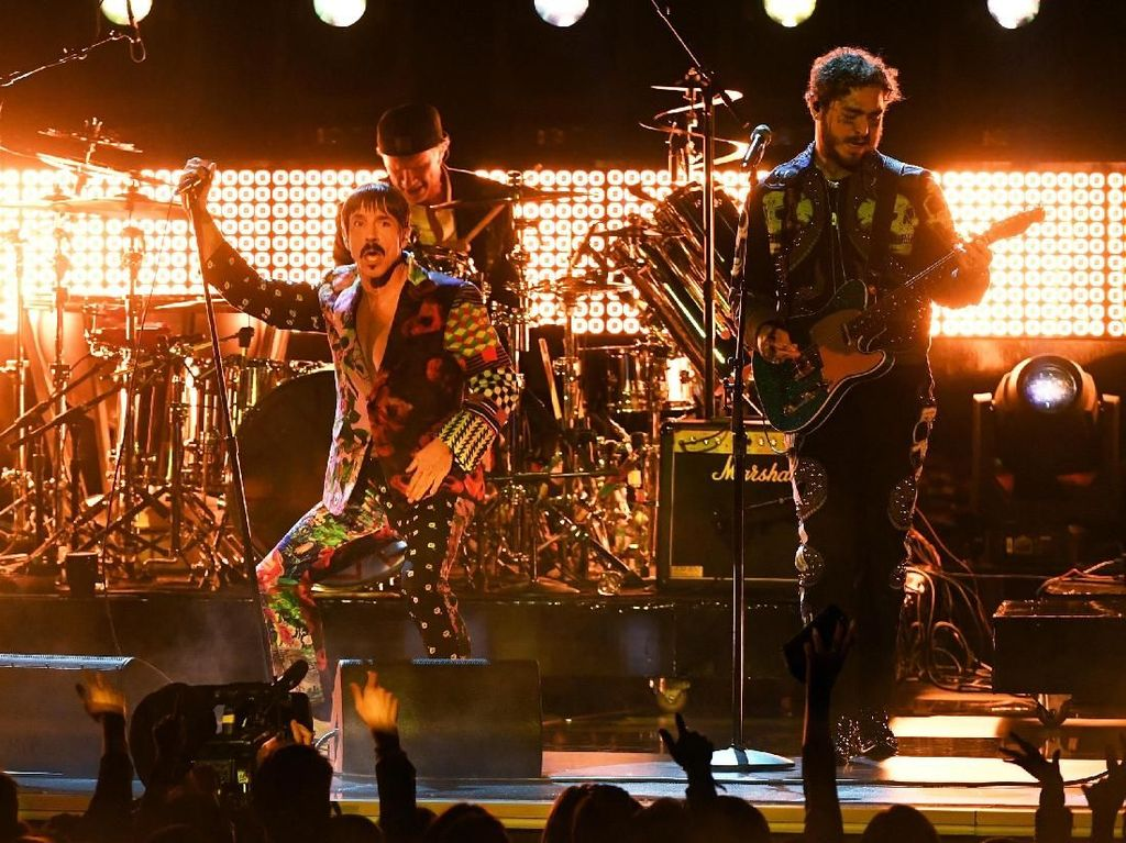 Kolaborasi RHCP dan Post Malone Bikin Rusuh Grammy 2019