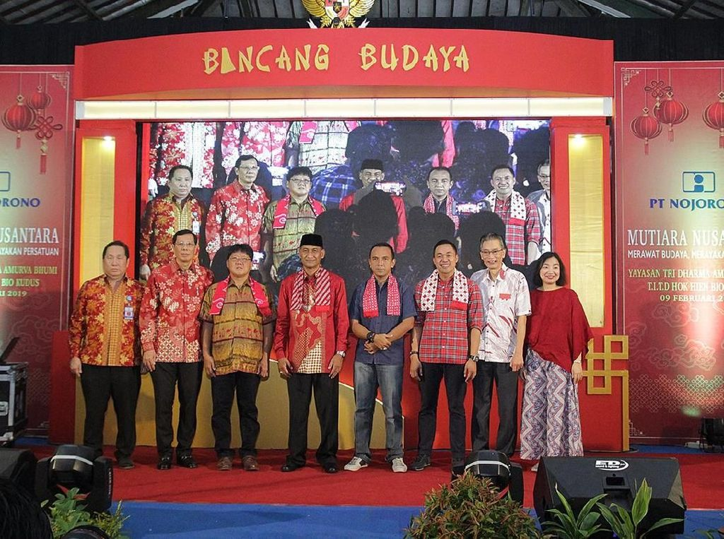 Mengenal Budaya Peranakan di Tanah Jawa Lewat Peragaan Busana Batik