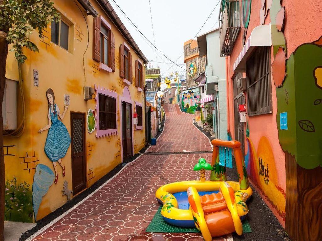 Potret Desa Dongeng Sampai Chinatown di Incheon