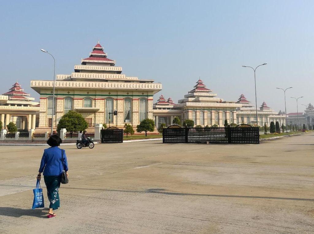 Terbangkan Drone di Atas Parlemen Myanmar, Turis Prancis Ditangkap
