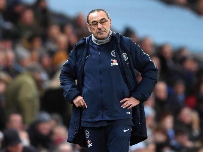 Maurizio Sarri tak khawatir dipecat, dia lebih khawatir dengan performa Chelsea (Laurence Griffiths/Getty Images)