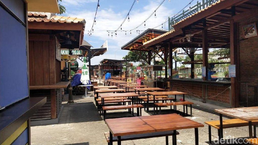 Melihat Food Court di Pantai Maju yang Tak Berizin